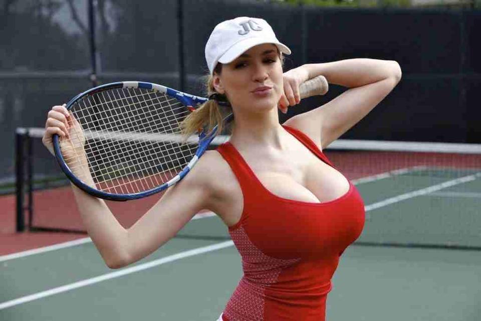 здесь поисках играют в теннис с большими сиськами камеры периметру