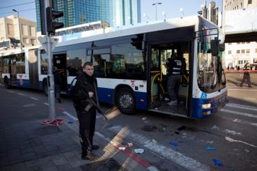 اوج گرفتن هش تگ «من هم چاقو هستم» بین مسلمین پس از حمله چاقویی یک فلسطینی به ۱۱ شهروند اسرائیلی+تصایری از این واقعه هولناک…..ادامه مطلب را در وبلاگ بخوانید