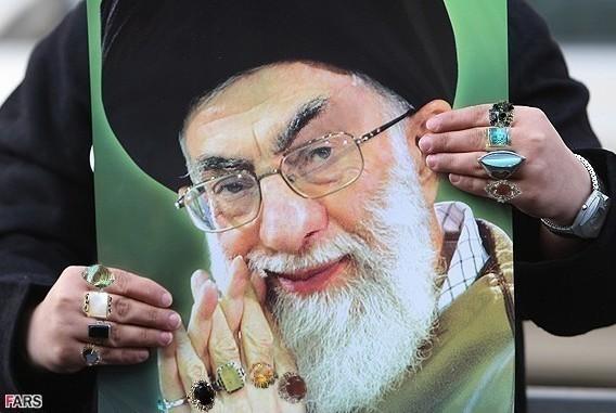 khamenei_ring_photo