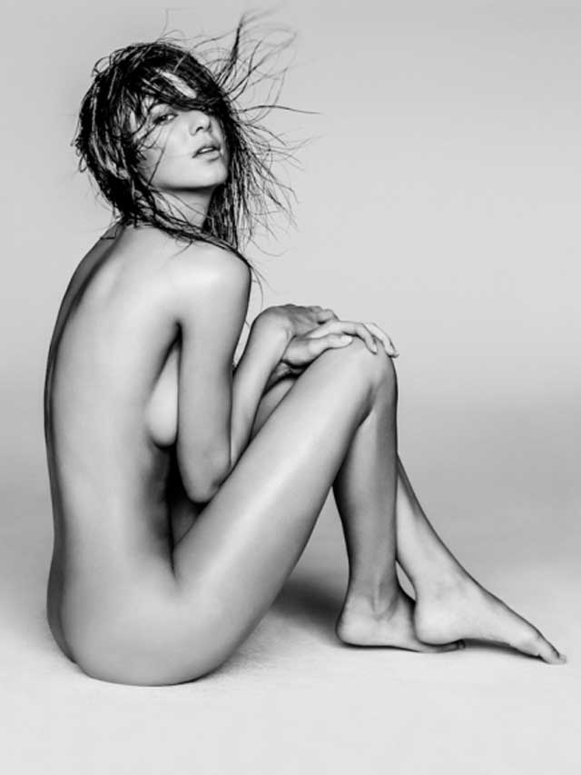 Kendall-Jenner-Sexy-in-Russell-James-Photoshoot-01-cr1410879054884-435x580