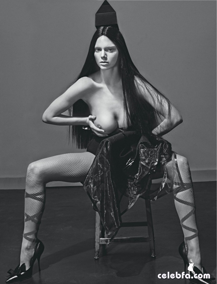 kendall-jenner-topless-for-love-magazine-3