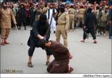 تصاویری از دو شهروند عراقی که روز گذشته در ملأعام گردن زده شده و بعد به صلیب کشیده شدند…..ادامه مطلب را در وبلاگ بخوانید