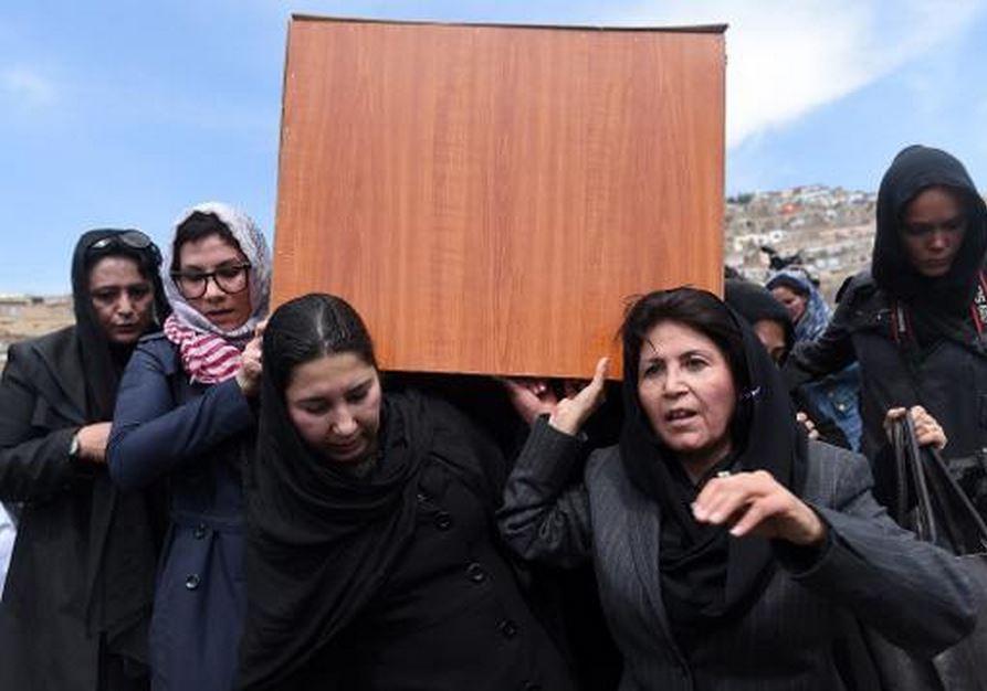 Farkhondeh-Funeral-Kabul-4