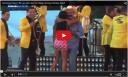 ویدئو و تصاویری از شهردار مکزیکی که پیراهن (دامن)دختر رقصنده را در مقابل ۵۰ هزار نفر بالا کشید.........فیلم ها و ویدیو کلیپ ها را در سایت ببینید
